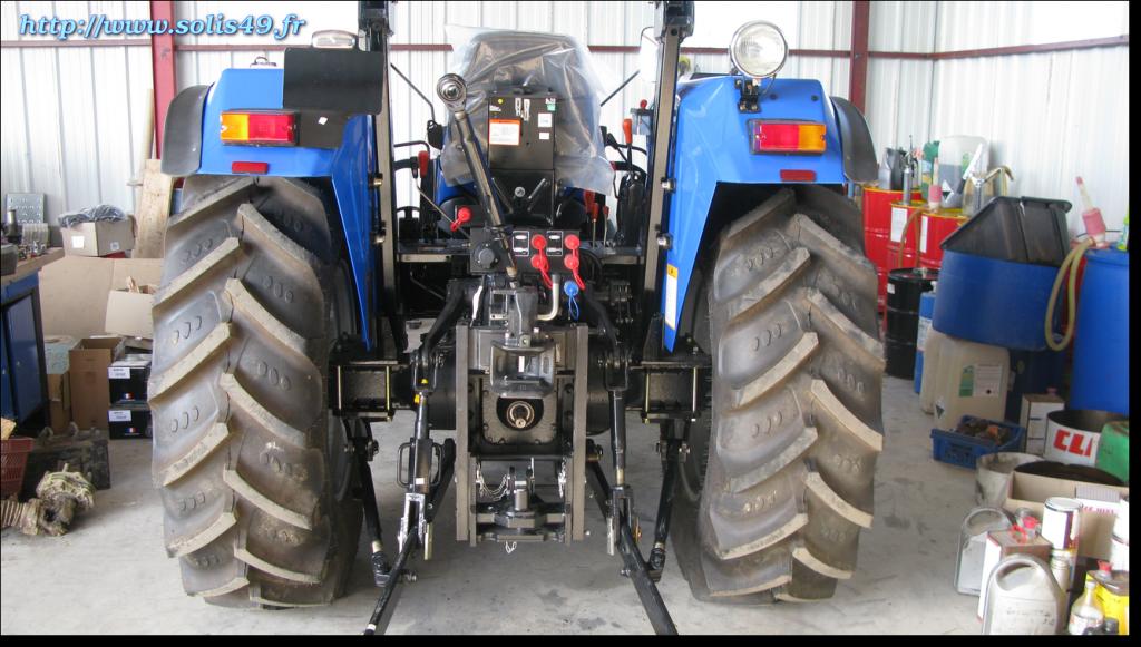 Solis 60 arceau avec pneus agraires